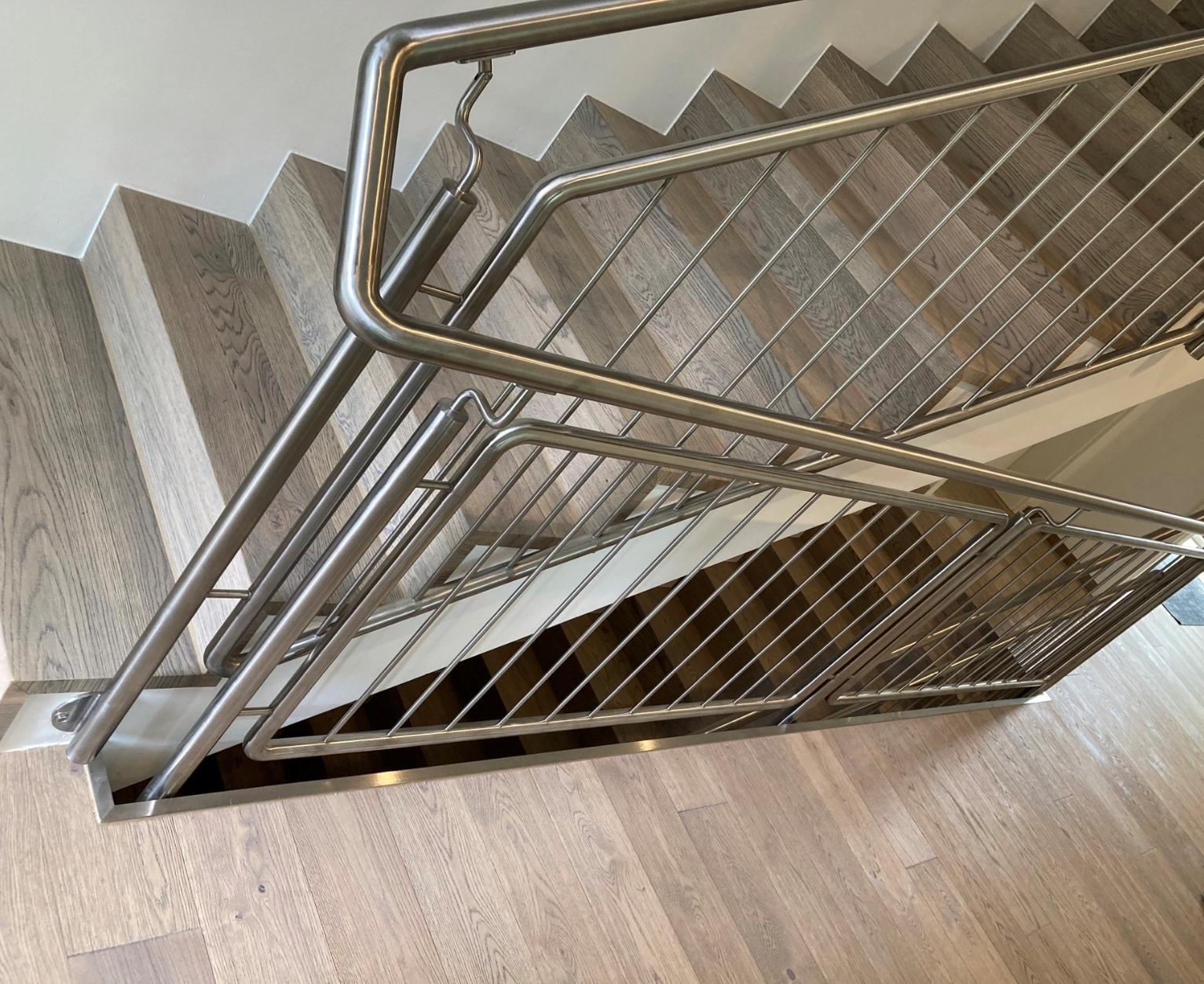 Falttreppe und Boden mit 3-Schicht